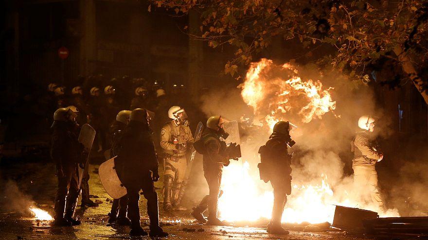 Hatalmas pusztítást hagytak maguk után a zavargók Athénban
