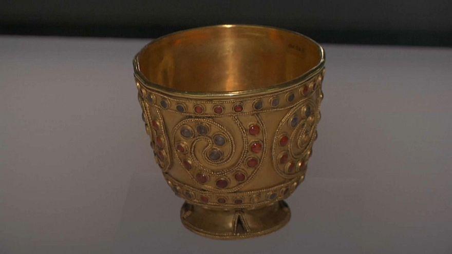 Georgia exhibits millennia-old golden goblet