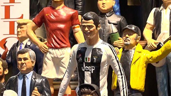 ایتالیا؛ فروش مجسمه شخصیتهای سرشناس در آستانه کریسمس