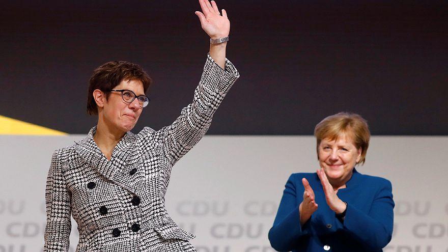 Annegret Kramp-Karrenbauer prend la tête de la CDU