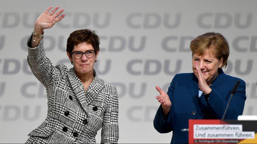 کرامپ کارنباوئر جانشین مرکل به عنوان رهبر حزب دموکرات مسیحی آلمان شد