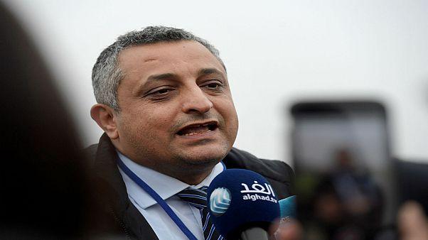 حكومة اليمن تقترح إعادة فتح مطار صنعاء.. والحوثيون يرفضون تفتيش الطائرات