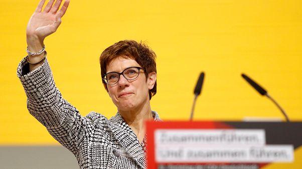 Annegret Kramp-Karrenbauer ist Merkel-Nachfolgerin als CDU-Vorsitzende