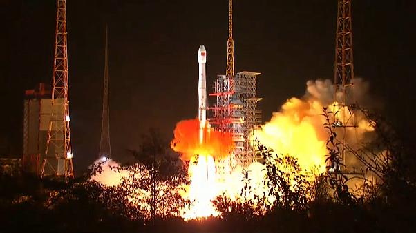 China: Mondsonde gestartet