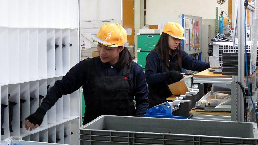 اليابان تقر قانونا يسمح بدخول مزيد من العمالة الأجنبية