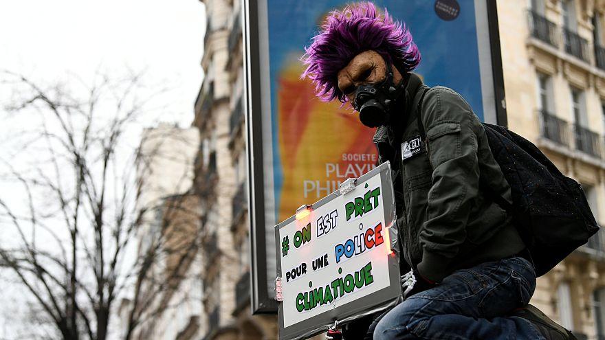 """Kattowitz und Paris: 20.000 Aktivisten bei """"Märschen für das Klima"""""""