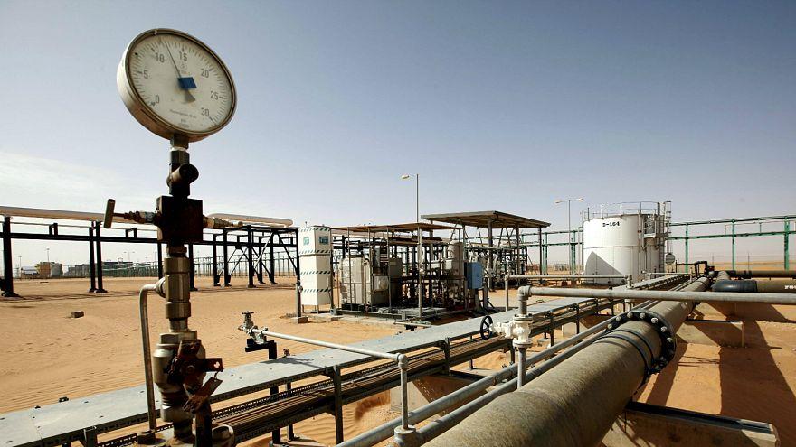Libya'da daha iyi kamu hizmeti isteyenler petrol sahasını bastı