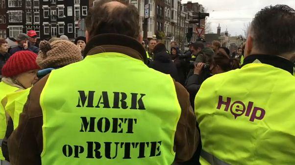 """شاهد: احتجاجات """"السترات الصفراء الفرنسية"""" تمتد إلى هولندا"""