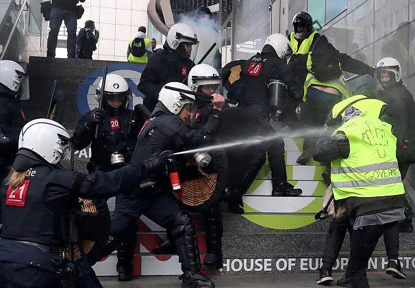 REUTERS/Yves Herman