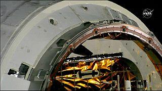 شاهد: مركبة الفضاء دراغون تنقل هدايا عيد الميلاد إلى محطة الفضاء الدولية