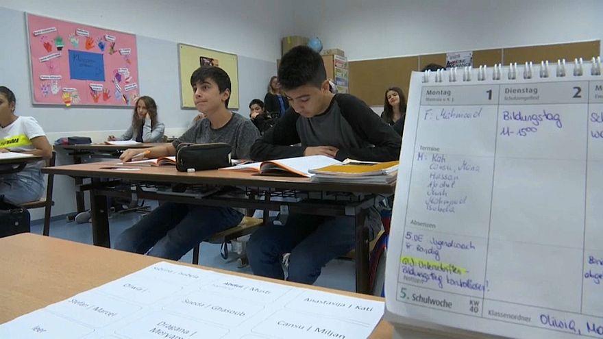 Refugiados: Difícil integração escolar na Áustria