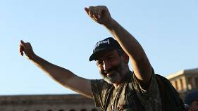 Erken seçimlerde yüzde 70 oy alan Nikol Paşinyan kimdir?