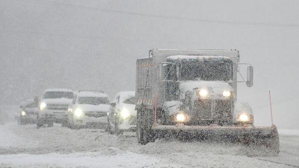 آمریکا؛ بارش سنگین برف و بوران شدید دستکم ۴ کشته برجا گذاشت