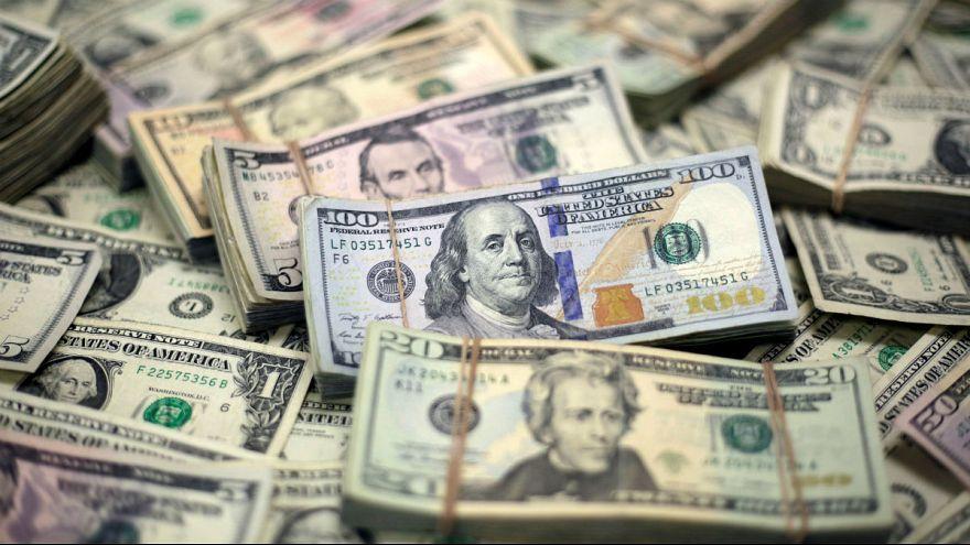 دستور رهبر ایران برای تقویت ریال؛ دلار بانکی از مرز ۱۱ هزارتومان عقب نشست