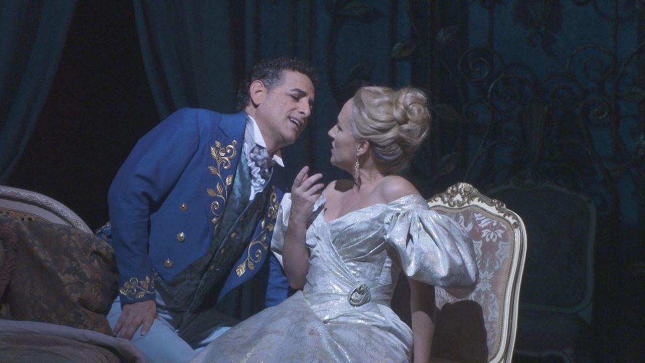 New York yeniden 'La Traviata' operasının büyüsü altında