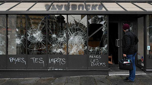 واکنشهای جهانی به تظاهرات جلیقهزردها؛ از ترامپ تا آملی لاریجانی