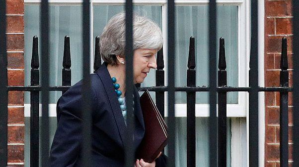 Brexit: May rinvia il voto in Parlamento previsto per martedì