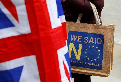 İngiliz hükümeti Brexit oylamasını ertelemeye hazırlanıyor