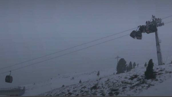 Cable cars collide at Austrian ski resort | Euronews