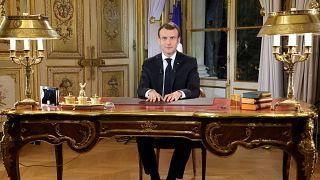 Sarı Yelekliler eylemi: Macron'dan geri adım