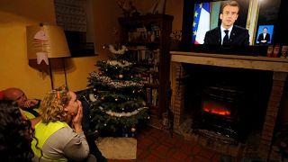 Morzsák vagy valódi engedmények Macron ígéretei?