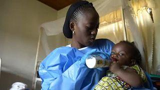 UNICEF: Ebola virüsü taşıyanların 3'te biri çocuklar