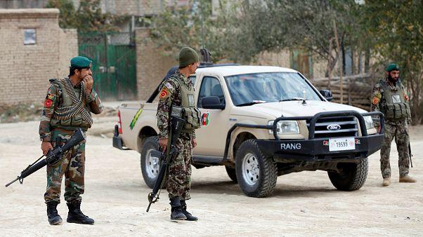 حمله انتحاری به کاروان نیروهای امنیتی در کابل؛ دستکم ۱۲ نفر کشته شدند