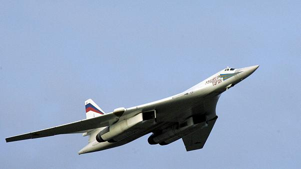 دو بمبافکن راهبردی روسیه برای انجام مانور در ونزوئلا فرود آمد