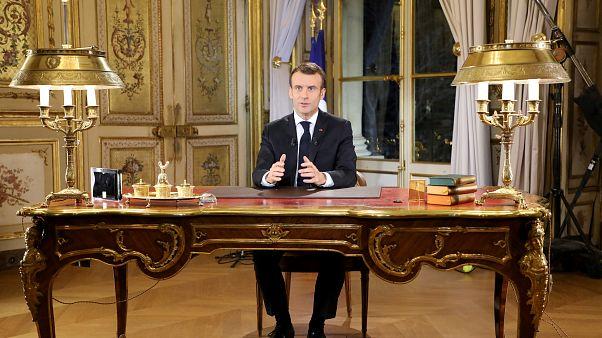 كيف جاءت ردّة فعل المتظاهرين والصحافة والأحزاب الفرنسية على خطاب ماكرون؟