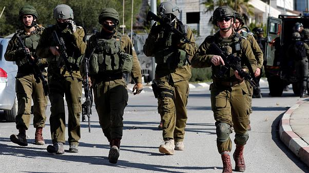 الشرطة الإسرائيلية تقول إنها قتلت فلسطينياً حاول دهس ضباط شرطة