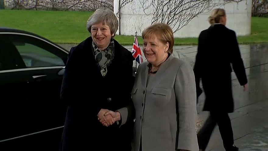 Theresa May auf Brexit-Rettungsmission