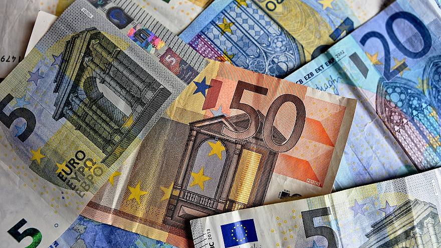 Dozens face jail after Austrian cash machine dispenses €50 instead of €20 notes