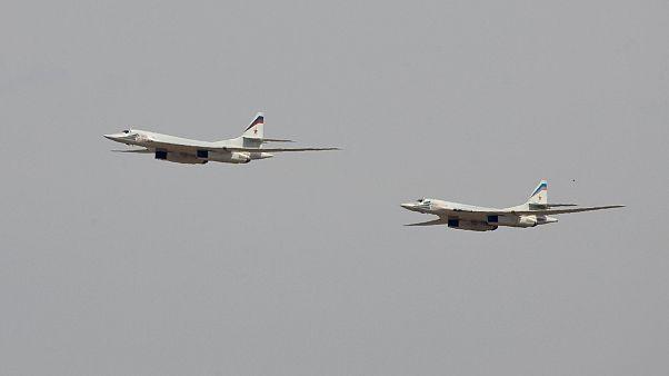 La Russia manda aerei militari a Caracas
