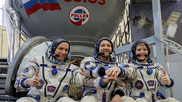 Rus kozmonotlar Soyuz'daki gizemli delik için uzayda 6 saat yürüyecek