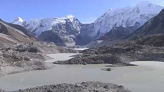 Flood concerns over Everest's picturesque glacial lakes