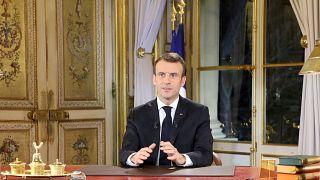 Protestolara katılım azaldı ancak Macron Fransızların yarısını ikna edemedi
