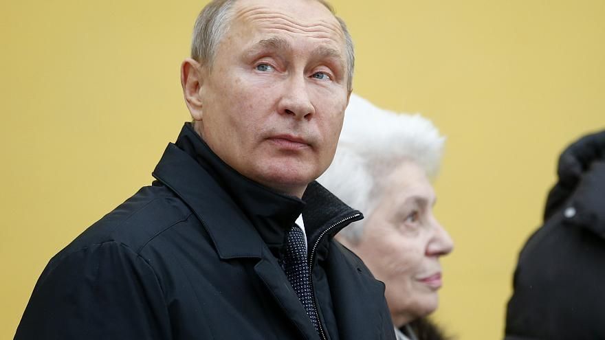 """В архивах Штази нашли удостоверение """"майора Путина"""""""