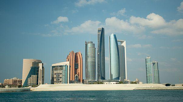 أبو ظبي تسعى لربط نظام الإعانات الحكومية بالقدرة على العمل