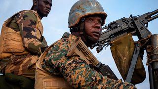 Fransa'dan eski sömürgesi Orta Afrika Cumhuriyeti'ne silah desteği