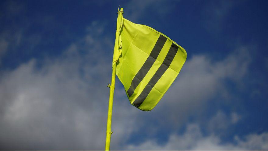 هراس قاهره از جنبش اجتماعی فرانسه؛ فروش جلیقه های زرد در مصر محدود شد