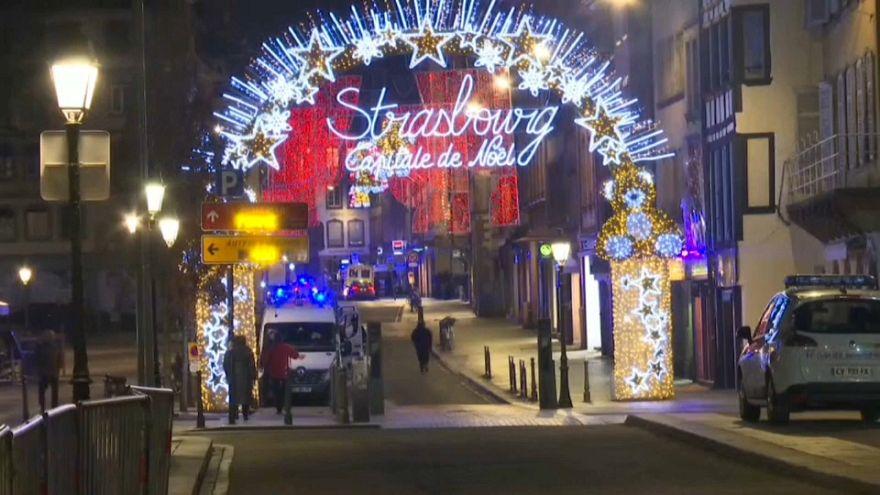 Was Gehört Auf Einen Weihnachtsmarkt.2 Tote Nach Terrorangriff Auf Weihnachtsmarkt In Straßburg Euronews