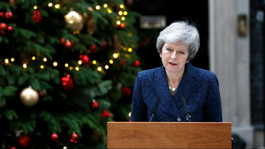 Theresa May fez declaração pública após ser anunciada moção de censura