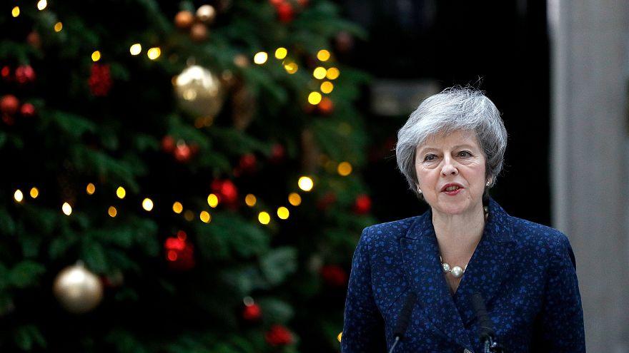 """Theresa May: """"Combatterò la mozione di sfiducia"""""""