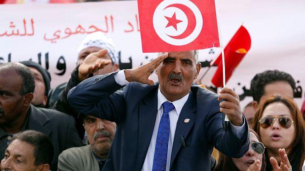 """بعد 4 سنوات من العمل وجمع شهادات أكثر من 50 ألف شخص.. لجنة """"الكرامة"""" التونسية بصدد تقديم توصياتها"""