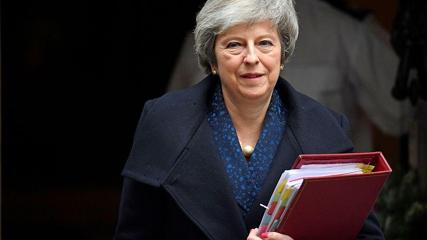 Brexit: Τι σημαίνει η πρόταση μομφής κατά της Μέι και τι μπορεί να συμβεί