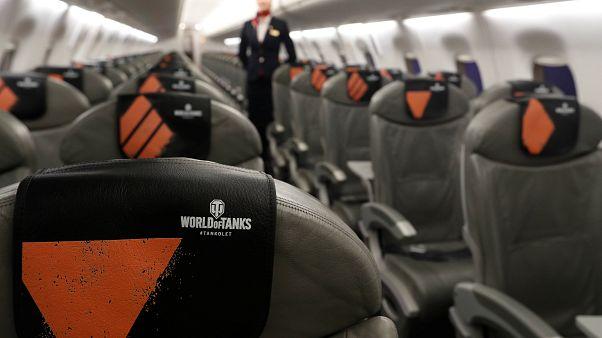 İyiliksever yolcu 'first class' koltuğunu anne ve hasta bebeğine verdi