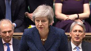 Theresa May supera moção de censura