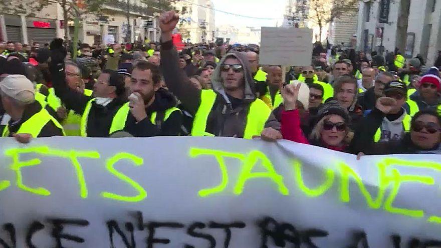 Francia: i Gilet Gialli ai tempi dell'attentato