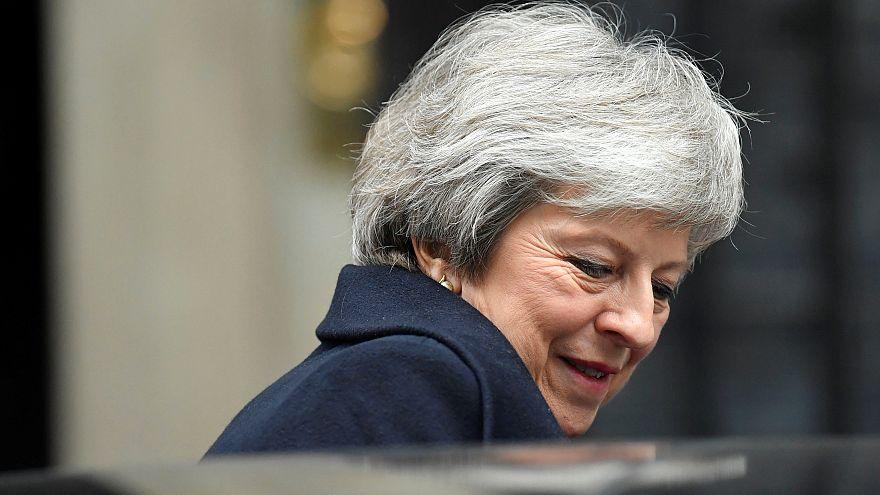 Theresa May gewinnt Misstrauensvotum