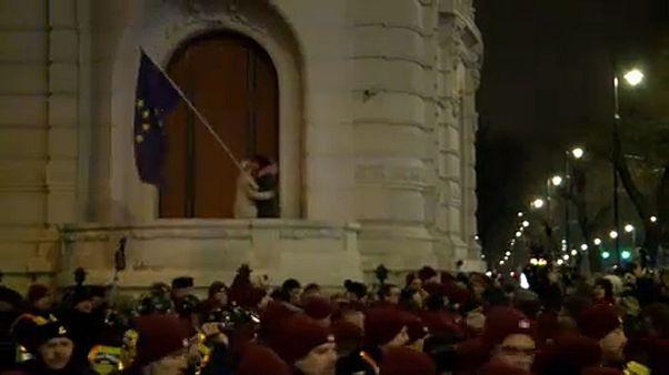 Kormányellenes tüntetés képekben